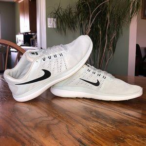Nike Flex Runs